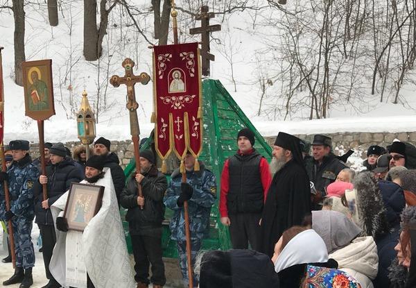 Участие в Крестном ходе.